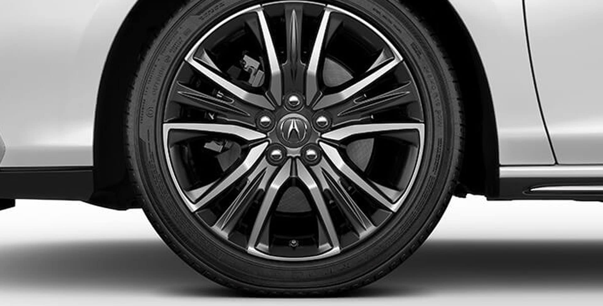 Acura RLX 19-in alloy wheels