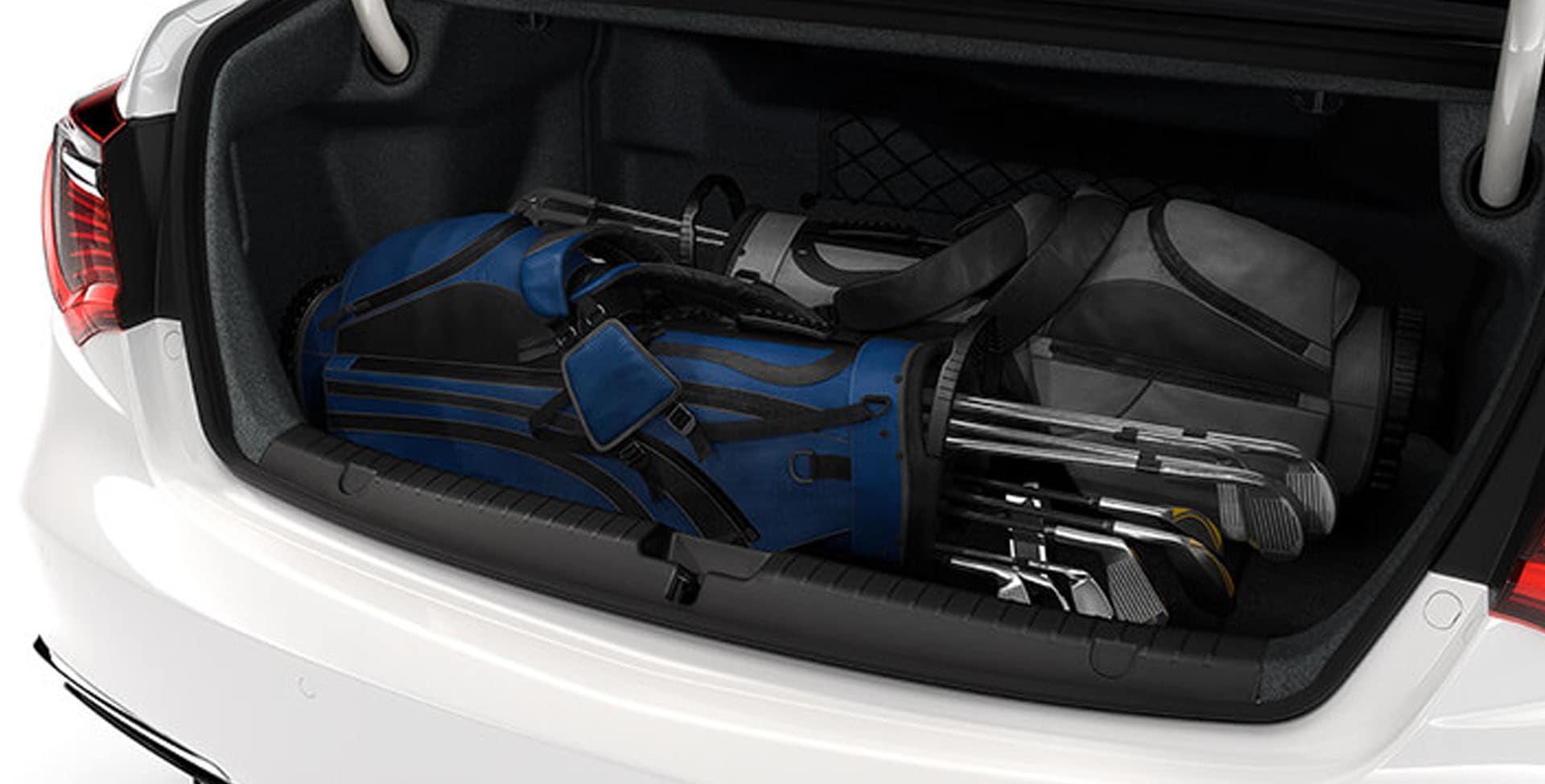 Acura RLX cargo space