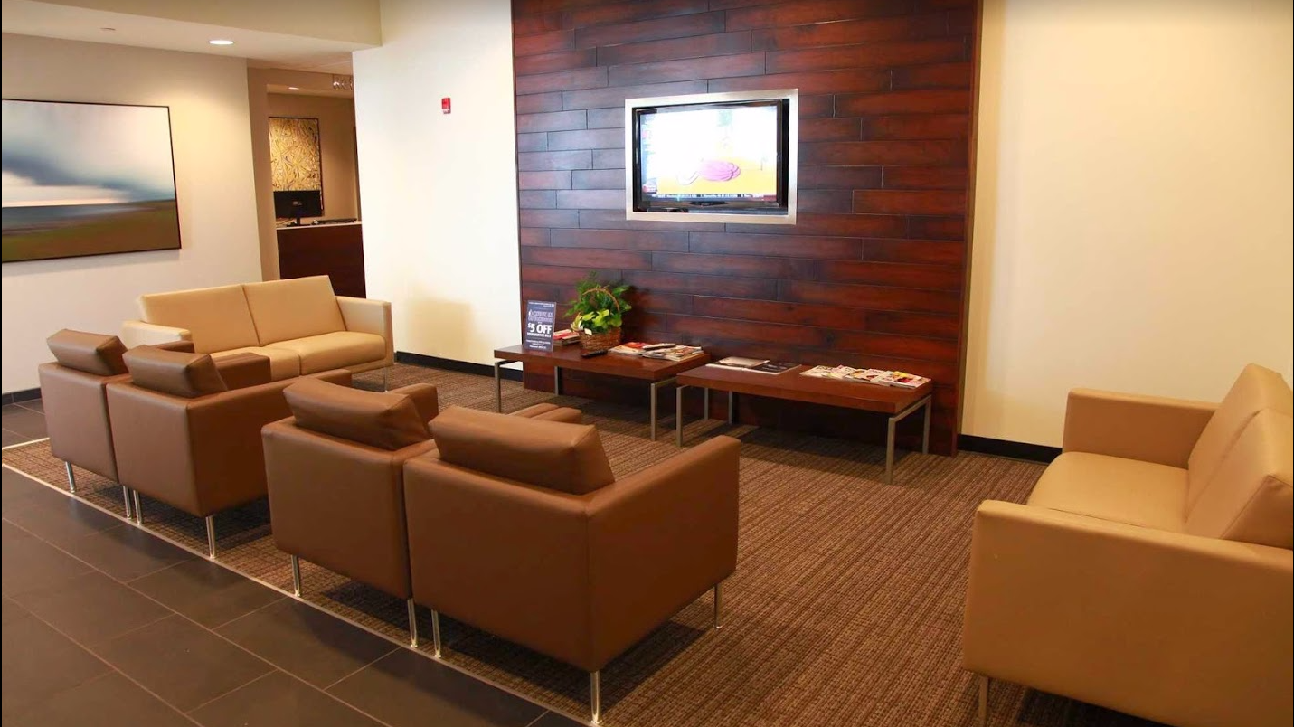 Customer Service Waiting Lounge at Berman INFINITI of Merrillville
