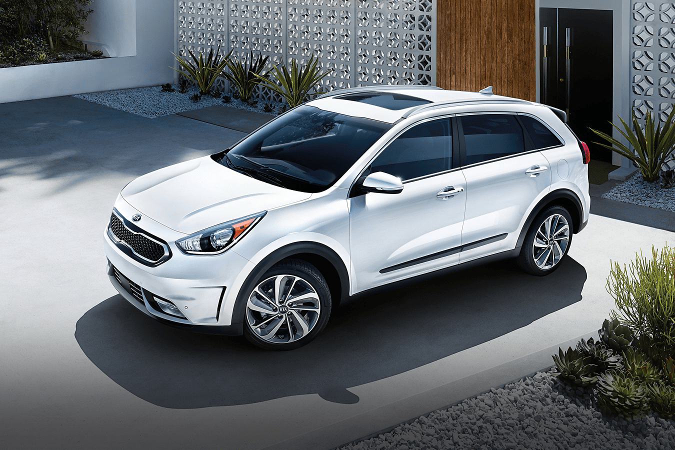 2019 Kia Niro in white