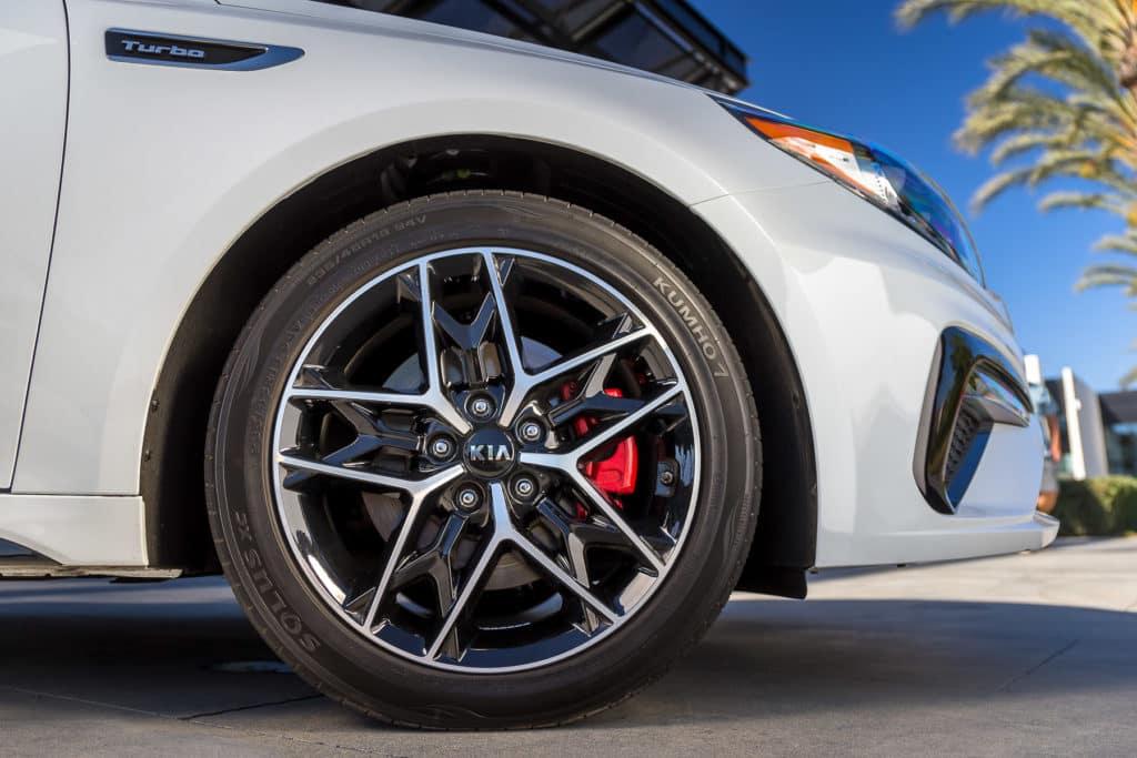 2020 KIA Optima SX Turbo 18 inch Multi Spoke Alloy Wheels Gloss Black Machine Face at Kia of Valencia near Santa Clarita, Ca and Los Angeles Metro Area