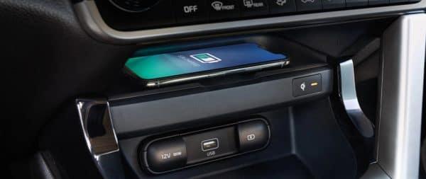 2021 Kia Seltos Wireless Phone Charging near Valencia, Ca at Kia of Valencia