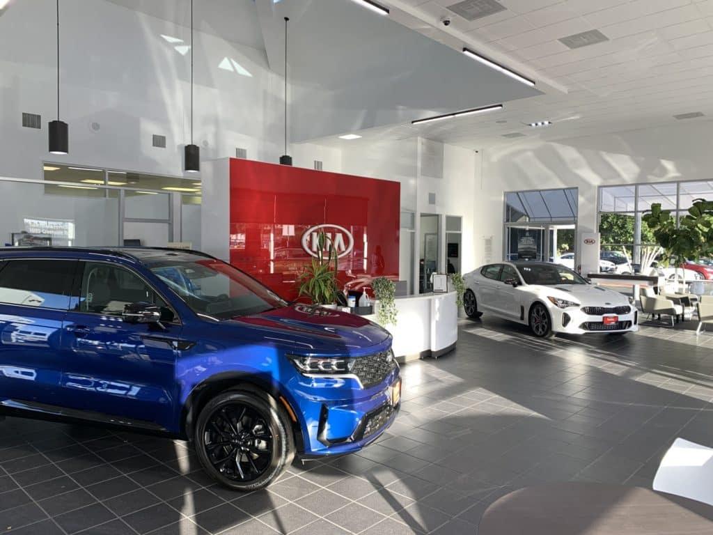 Kia New Car Showroom near Santa Clarita, Ca at Kia of Valencia