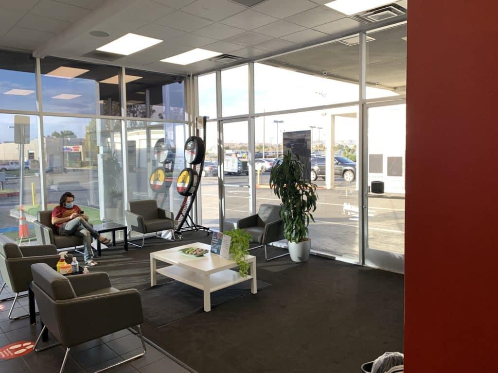 Kia Service Customer Lounge Area near Santa Clarita, Ca at Kia of Valencia