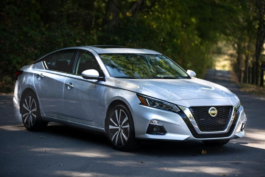 2020 Nissan Altima Comparison Mid Size Sedan near Santa Clarita, Ca and Los Angeles Metro Area