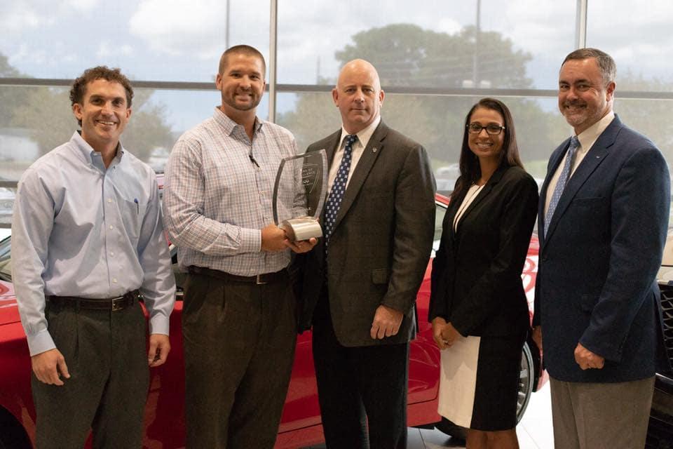 Team photo of INFINITI local, regional, and corporate leadership