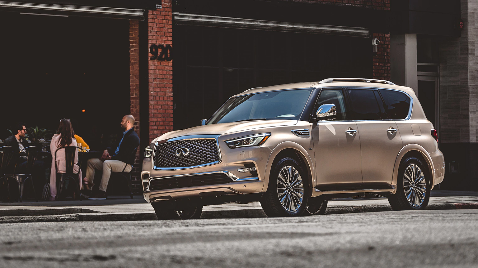 2020 INFINITI QX80 Near Mobile