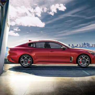 2019 Kia Stinger Side view