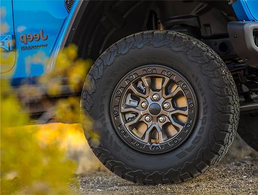 17-inch beadlock-capable wheels on the new hemi Wrangler