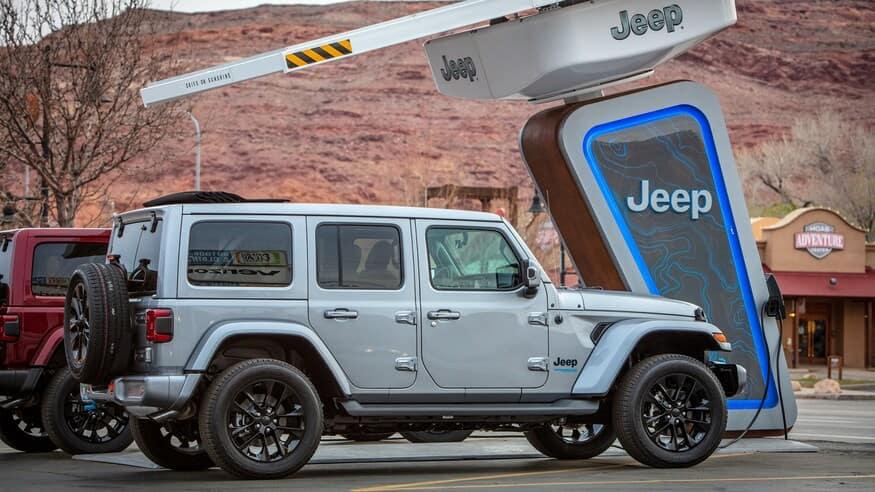 Gray-Jeep-Wrangler-4xe-in-Edmond-Oklahoma