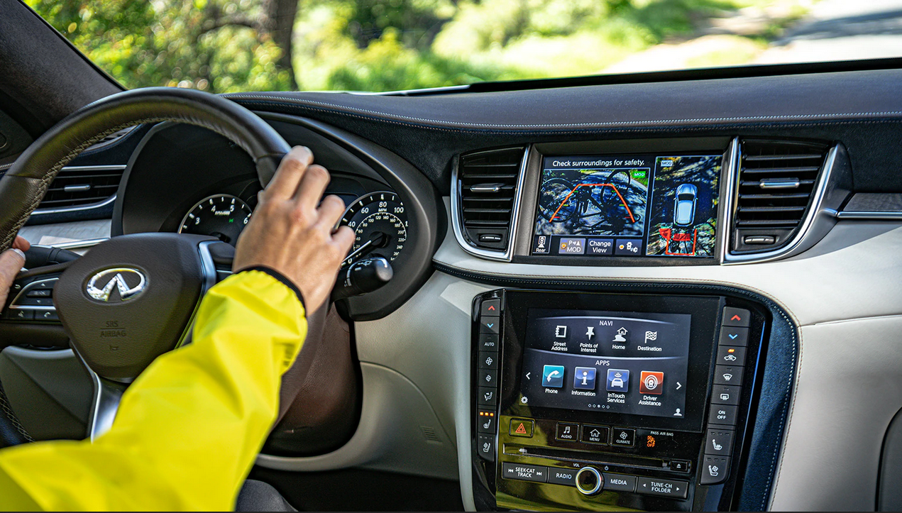 interior of a 2020 INFINITI QX60 with apple car play
