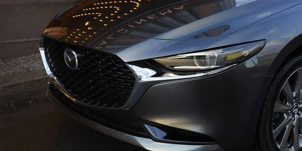 2019-mazda-3-sedan-front-headlight