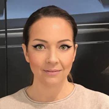 Angela Melo