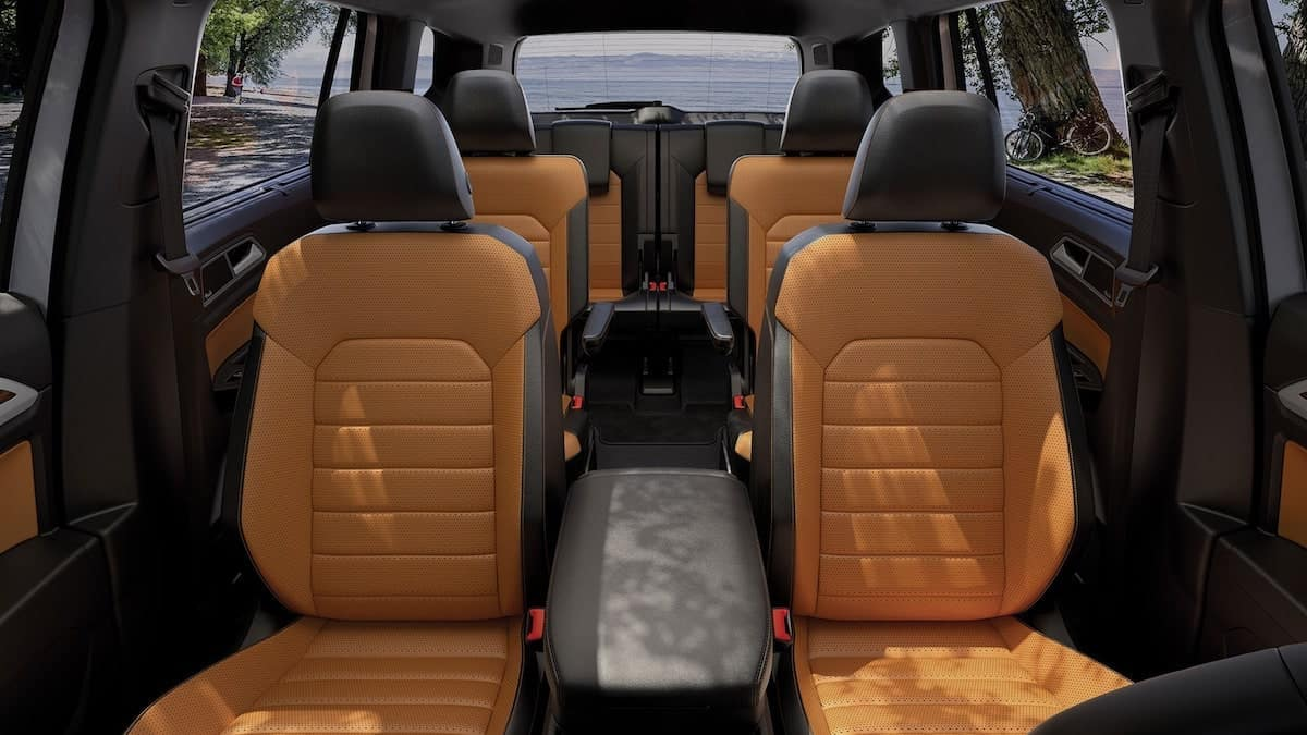2019 VW Atlas captains chairs