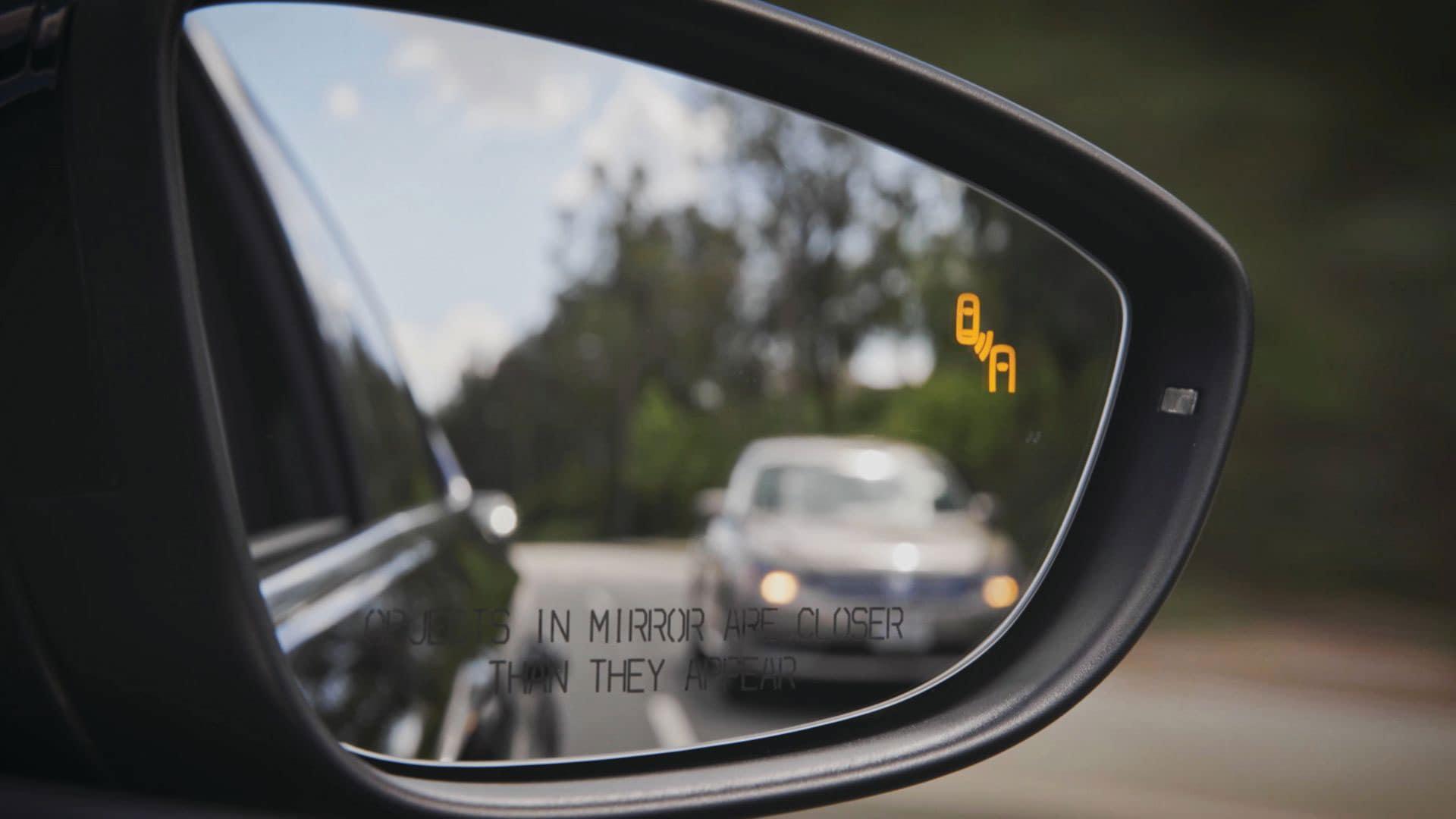 2019 VW Passat blind spot detection