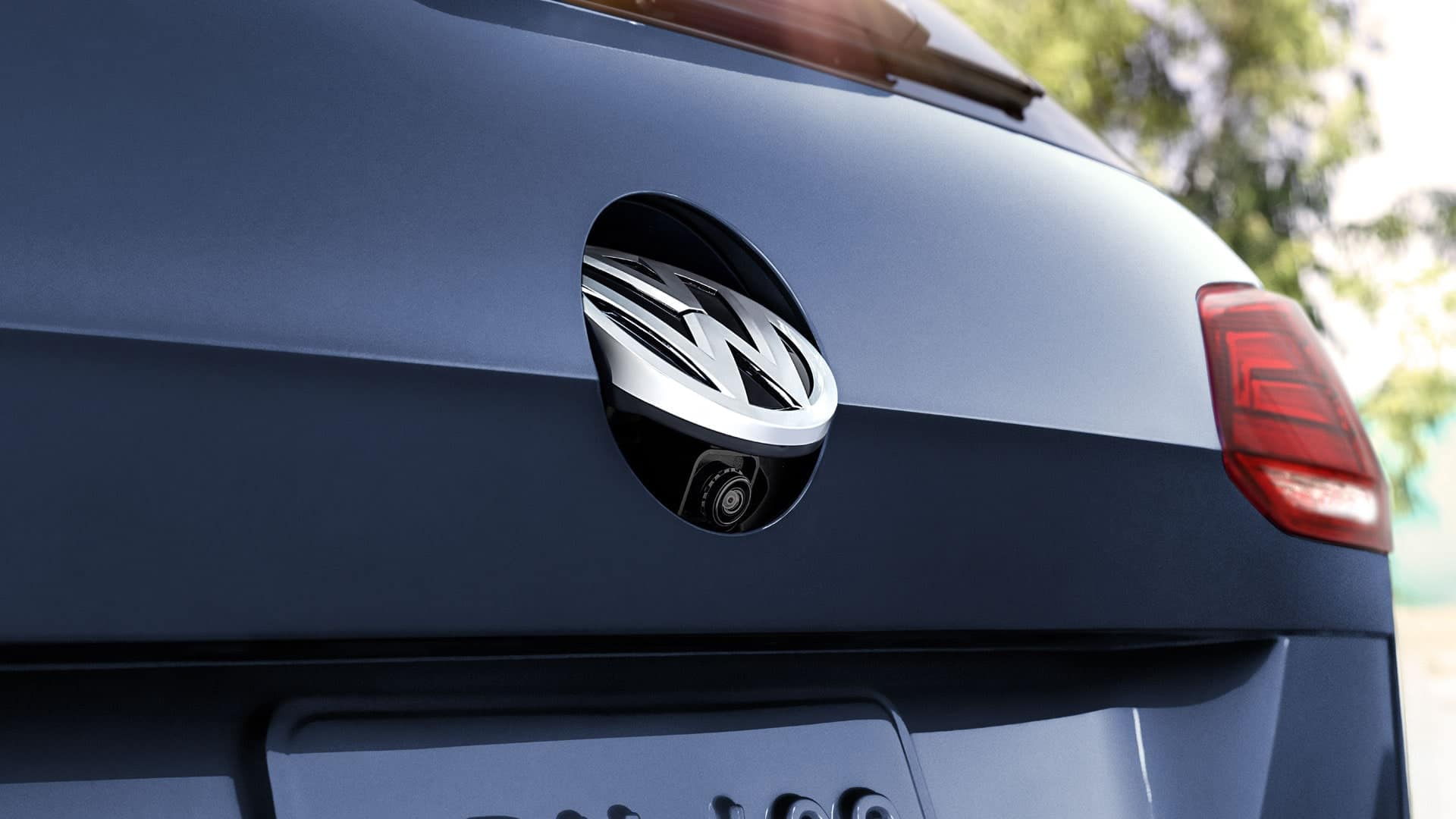2019 VW Golf SportWagen rearview camera