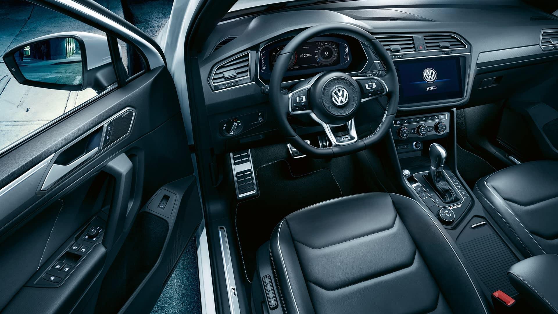 2019 VW Tiguan R-Line interior