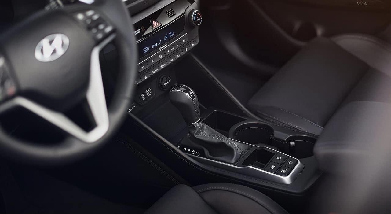2018 Hyundai Tucson front interior