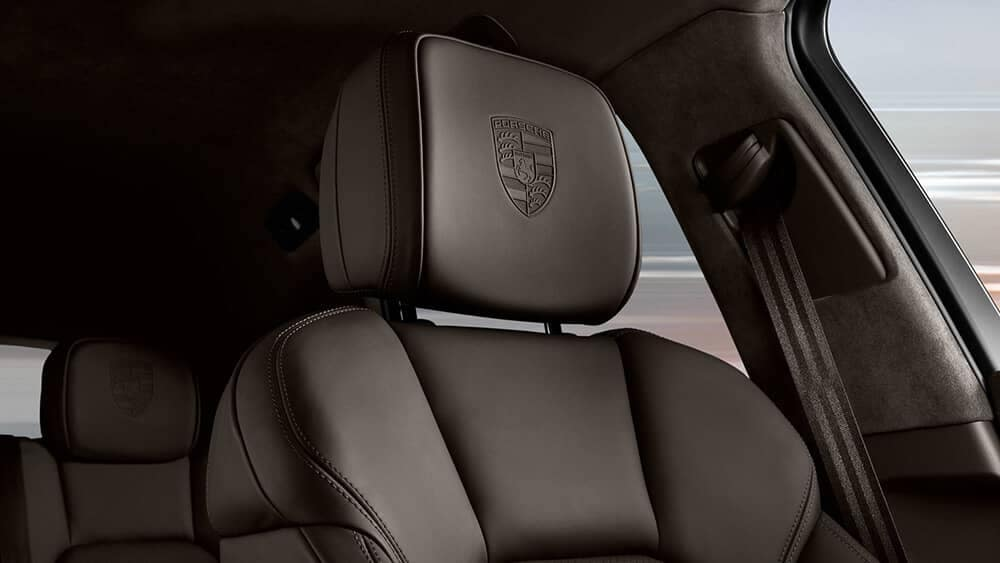 2019 Porsche Macan headrests
