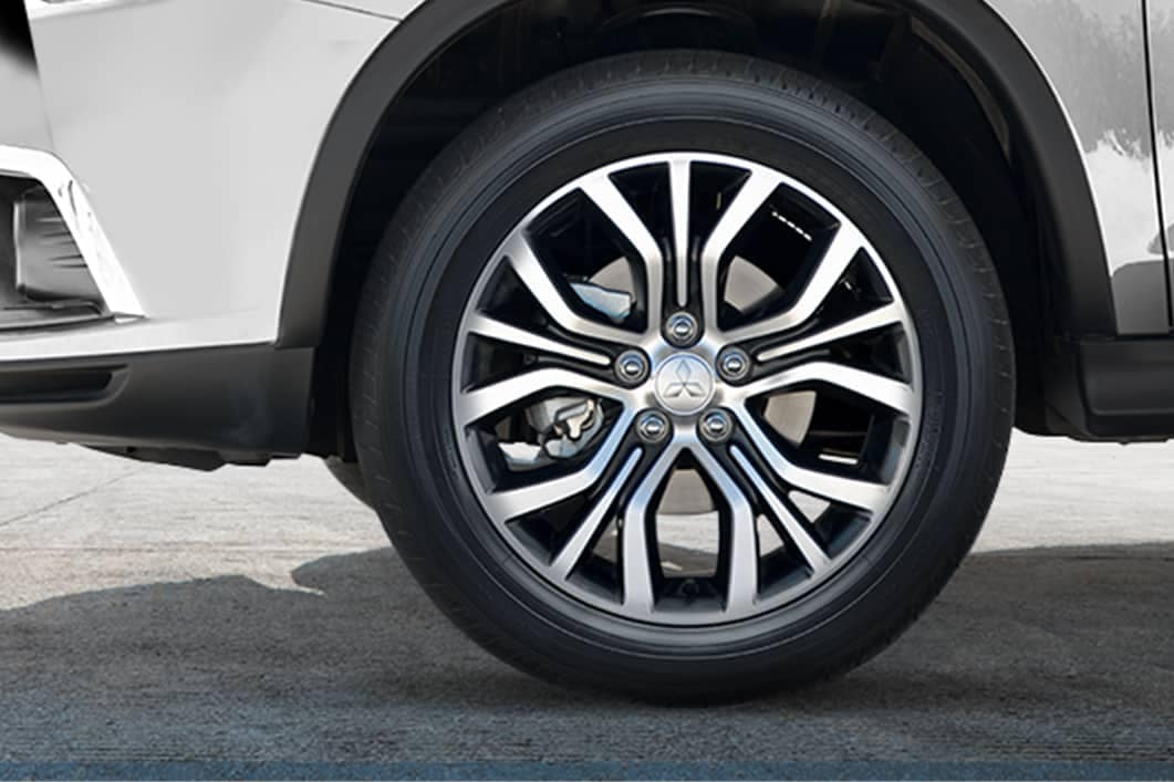 2019 Mitsubishi Outlander Sport two tone alloy wheels