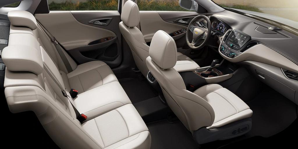2021 chevy malibu interior seating