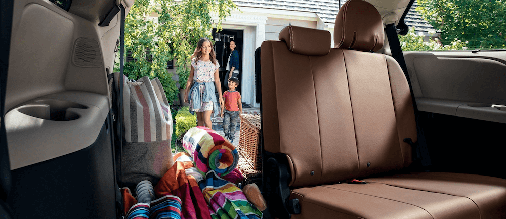 2020 toyota sienna dimensions cargo space interior seating measurements 2020 toyota sienna dimensions cargo