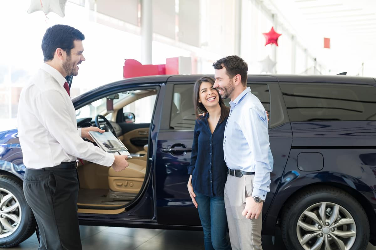 Car Dealer with Clients