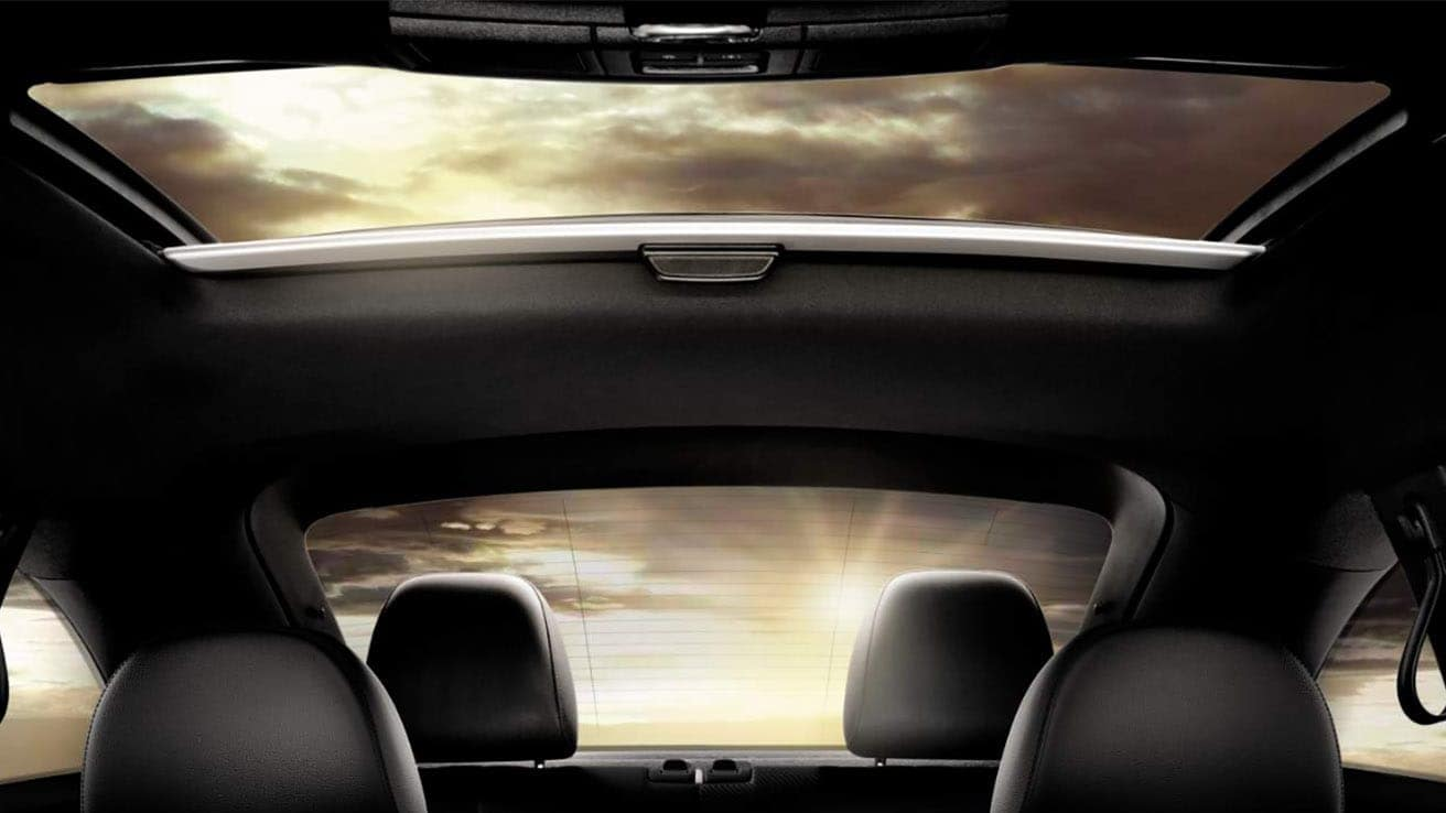 2019 VW Beetle panoramic sunroof