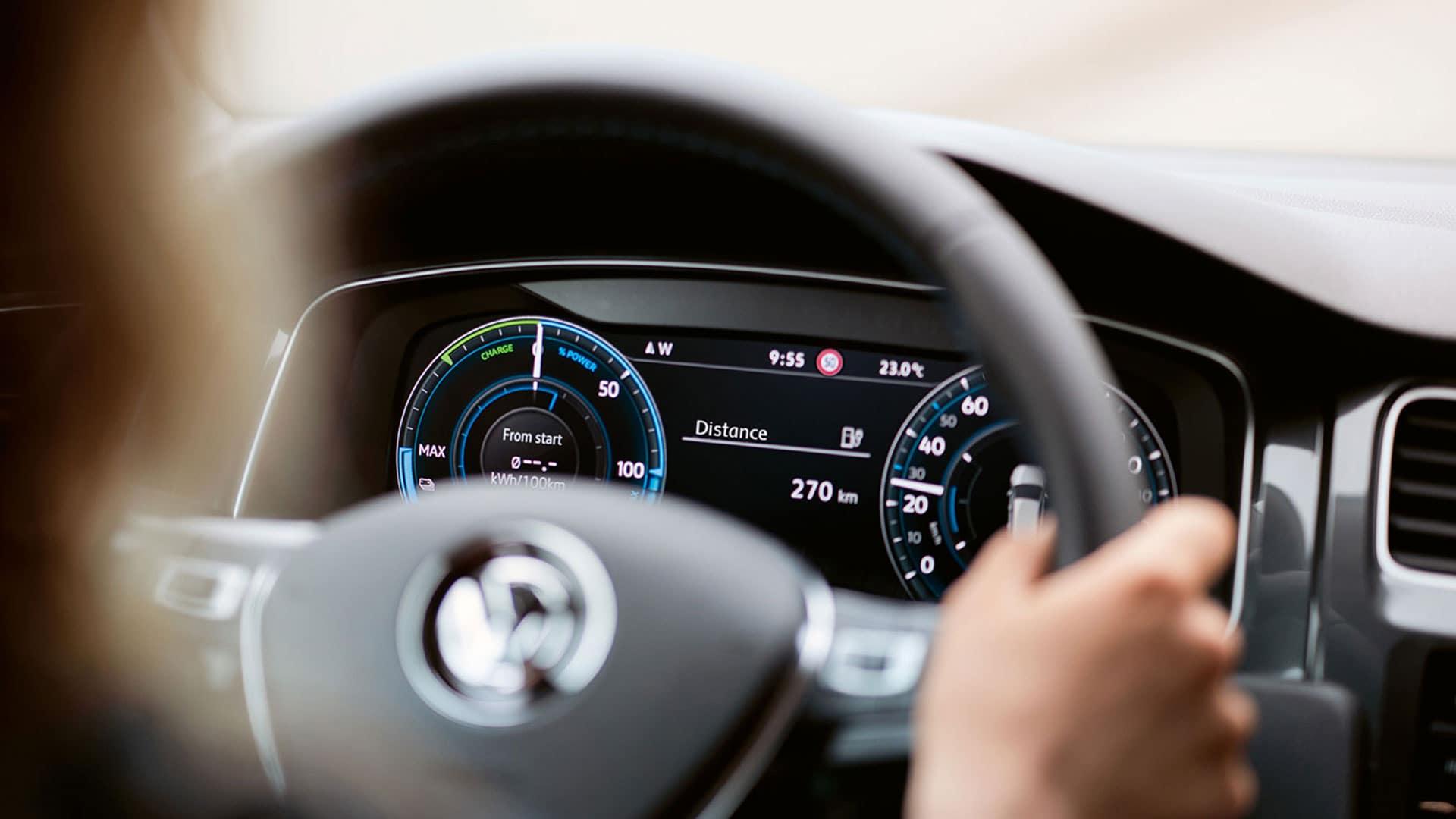 2019 VW e-Golf digital cockpit