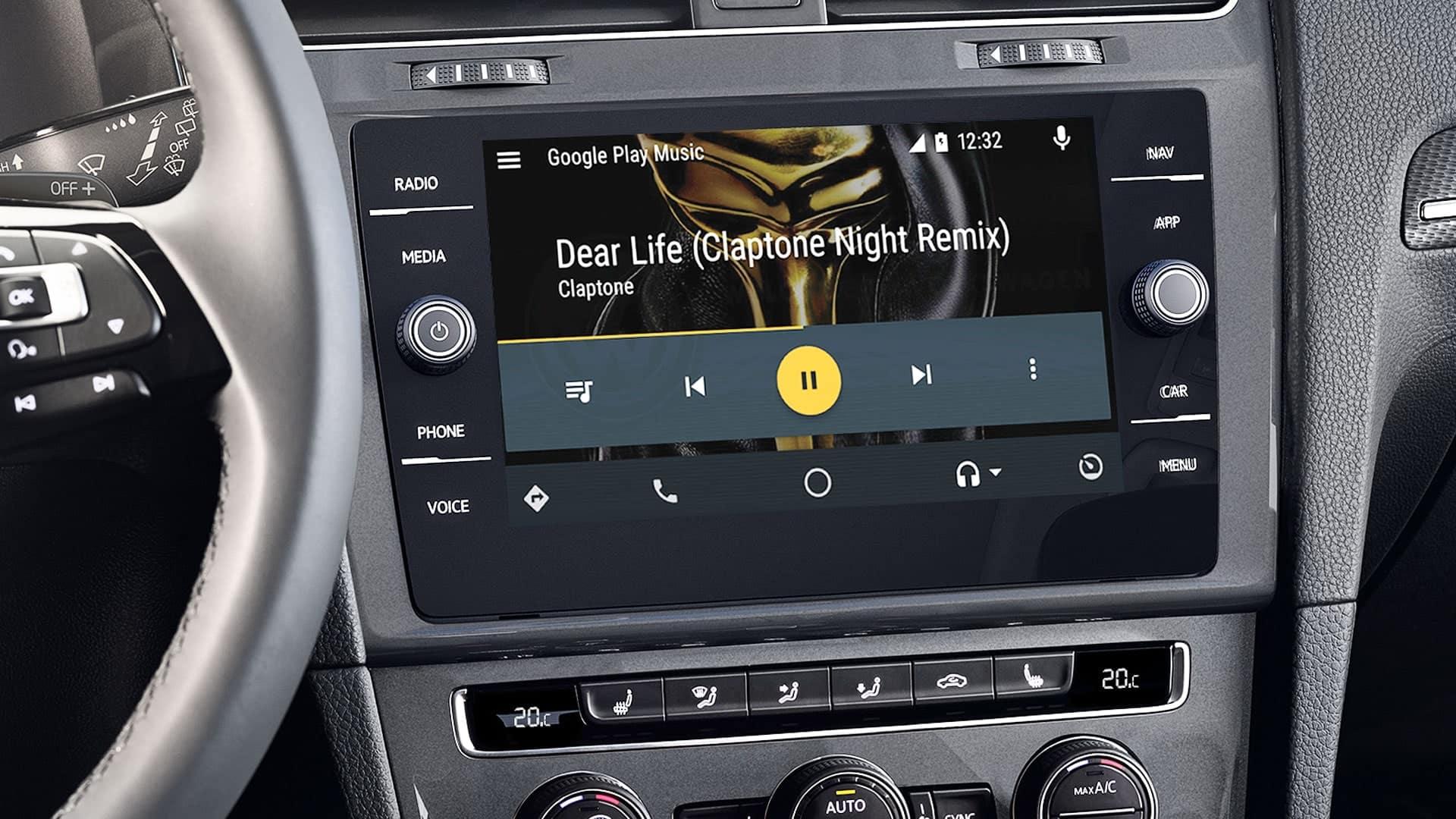 VW SportWagen Infotainment