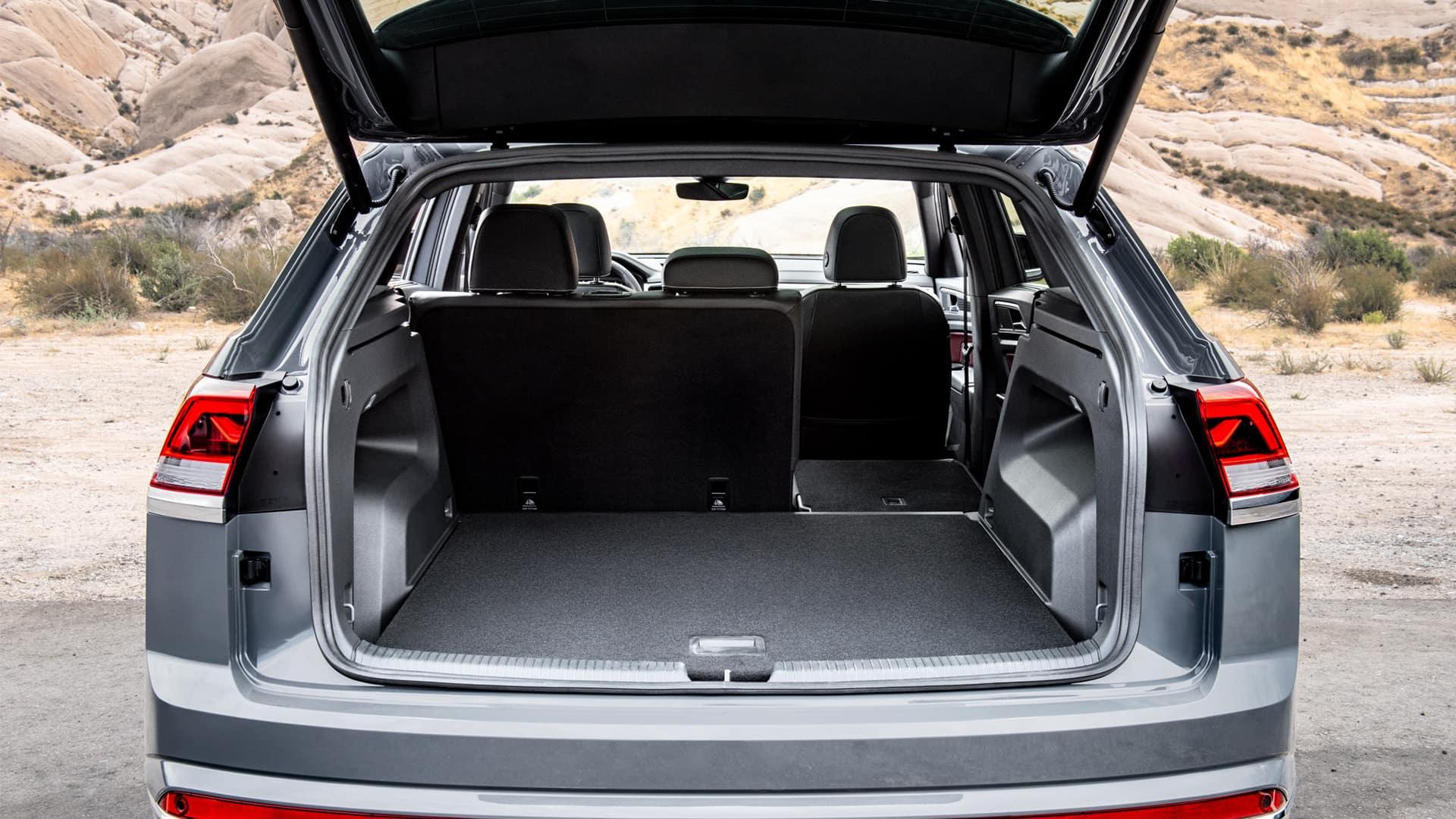 VW Atlas Cross Sport cargo space